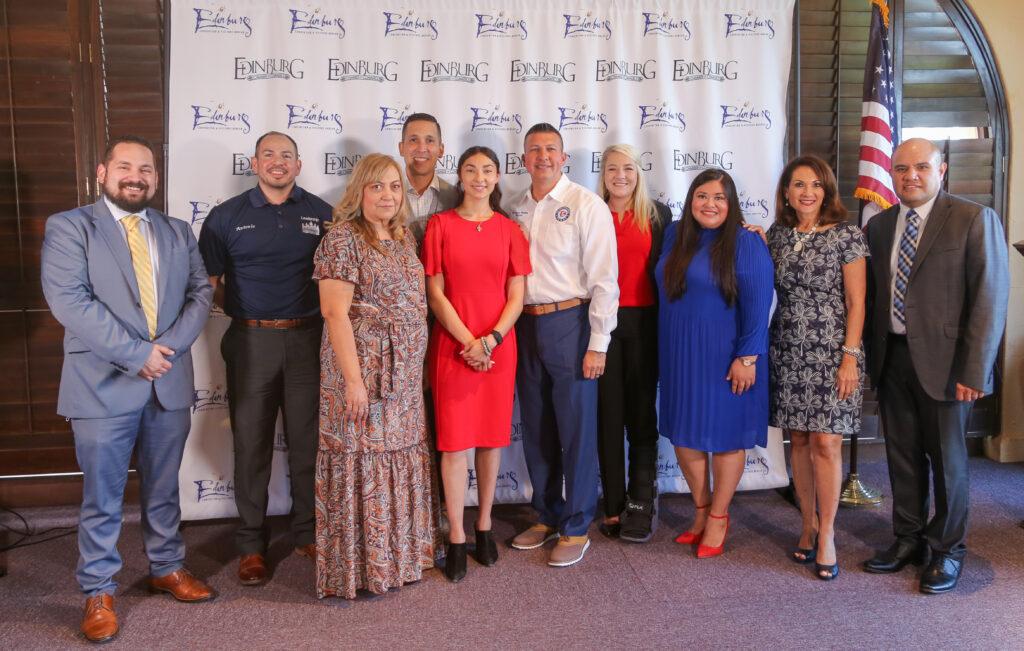 Leadership Edinburg Class graduates 2021